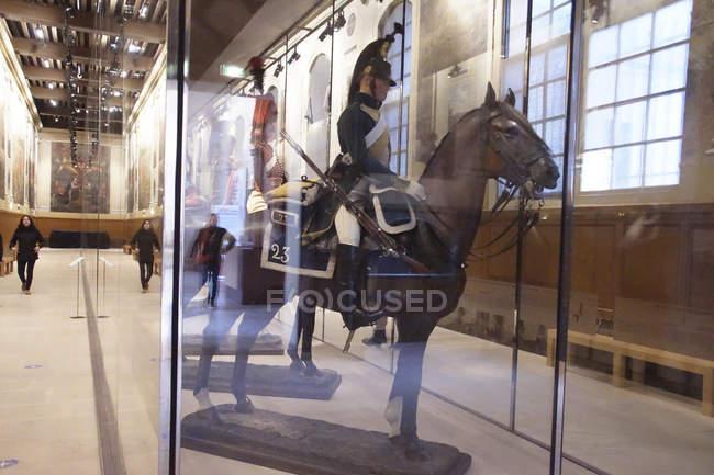 Parigi - 5 dicembre 2018 - montato cavalleria francese display nel Museo dell'esercito di Les Invalides, Parigi, Francia — Foto stock