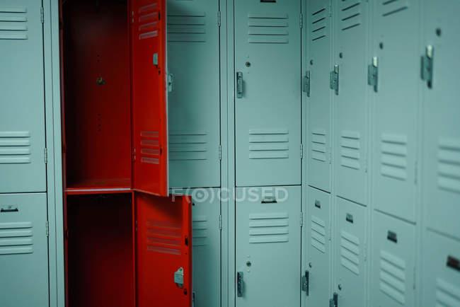 Casiers dans les vestiaires — Photo de stock
