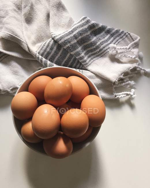 Eggs in ceramic bowl — Stock Photo