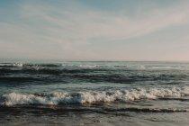 Мальовничі бурхливий океан — стокове фото