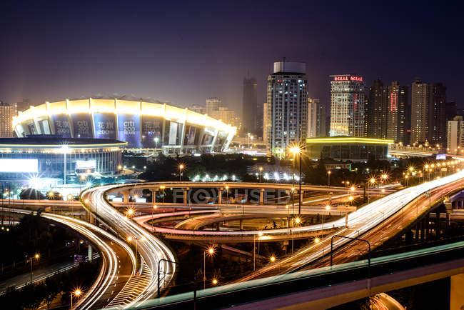 Shanghai paesaggio urbano serale — Foto stock