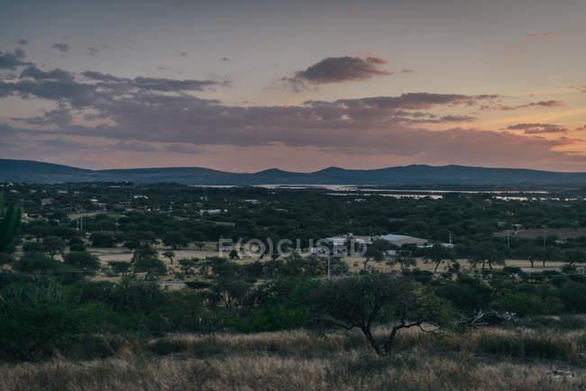 Красивий краєвид на заході сонця — стокове фото