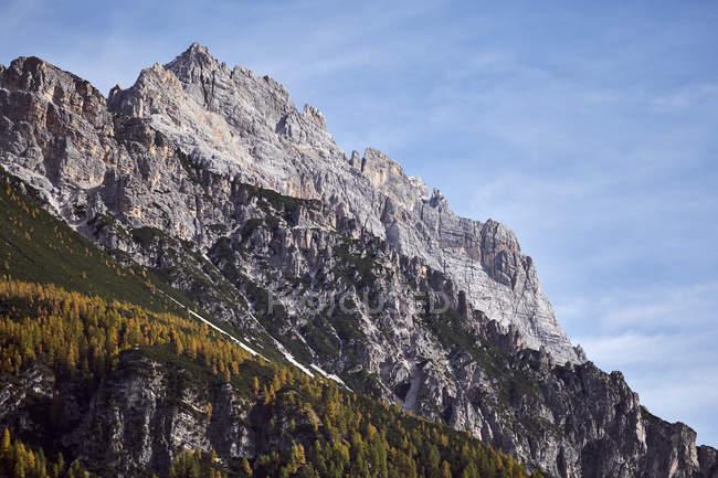Sommet de la montagne dans les dolomites italiennes, Vodo di Cadore, Italie — Photo de stock