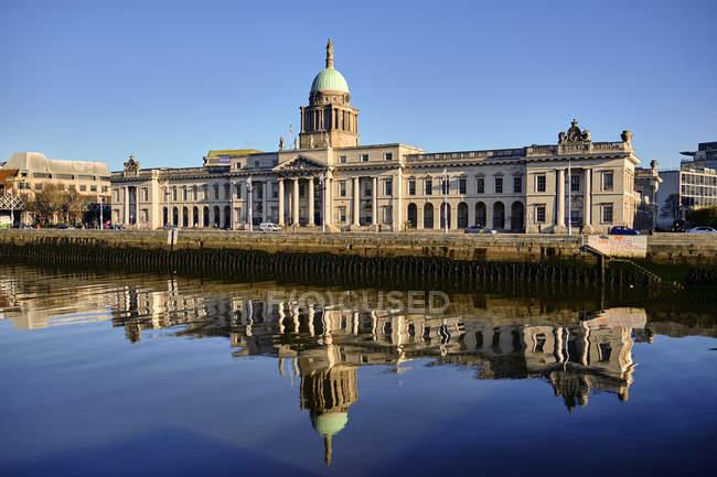 Custom house building during early morning, Dublin, Ireland — Stock Photo