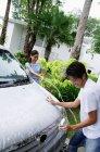 Coppia lavaggio auto — Foto stock