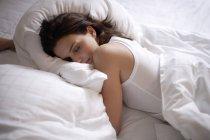 Young woman sleeping — Stock Photo