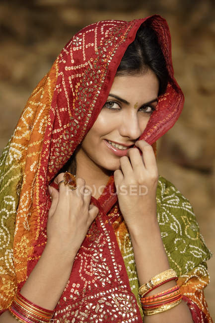 Woman in sari, close up portrait — Stock Photo