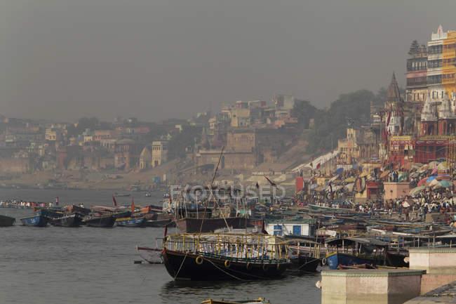 Varanasi am Ganges Fluß, Indien — Stockfoto