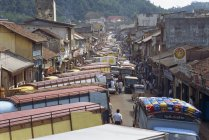 Busy street, Kandy — Stock Photo
