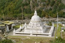 Stupa au temple de Tashi Yangtse — Photo de stock