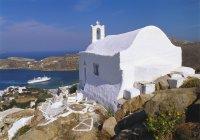 Білий кам'яна церква — стокове фото