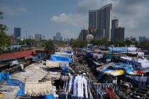 Slum washing ghats in Mumbai — Stock Photo