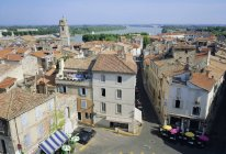 Overview of the city of Arles — Stock Photo