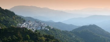 Mountains and small village — Stock Photo