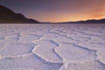 Coucher de soleil sur les polygones de Chott — Photo de stock