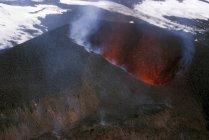 Гаревая конуса извержения Эйяфьятлайокудль — стоковое фото