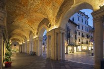 Отмечая мнение аркада в площадь Синьори — стоковое фото