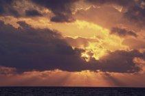 Coucher de soleil à l'île de Grand Cayman — Photo de stock