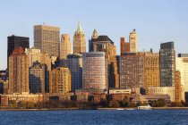 Downtown Manhattan across the Hudson River — Stock Photo
