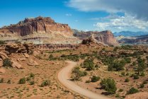 Road leading through Capitol Reef National Park — Stock Photo