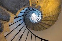 Wendeltreppe aus Marmor — Stockfoto