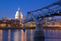 Millennium Bridge and St Pauls Cathedral — Stock Photo