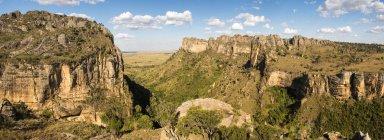 Canyon nel Parco nazionale di Isalo al tramonto — Foto stock
