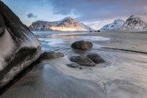 Tramonto sulla spiaggia Skagsanden surreale — Foto stock