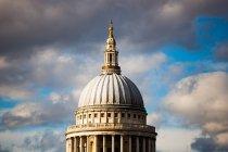 Вид на собор Святого Паулс — стокове фото
