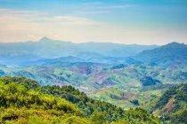 Холмы и горы — стоковое фото