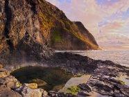 Видом скалы возле Понта де-Сан-Хорхе — стоковое фото