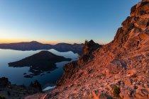 L'île Wizard et lac de cratère — Photo de stock