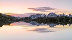 Lago Nero на рассвете, Cornisello Pinzolo — стоковое фото