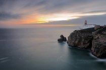 Маяк, с видом на Атлантический океан — стоковое фото