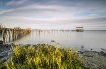 Світанку на пристані Palafito — стокове фото