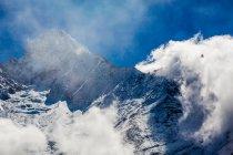 Пик горы Эверест — стоковое фото