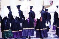 Uomini e donne durante la processione di Sant'Antioco — Foto stock