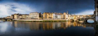 Florence panorama on Arno River — Stock Photo