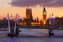 Skyline of London at dusk with Big Ben — Stock Photo