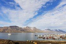 Longyearbyen harbour in Spitsbergen — Stock Photo