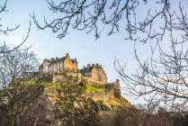 Единбурзький замок на заході сонця — стокове фото