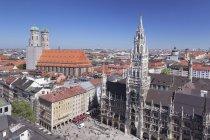 Marienplatz Square with town hall — Stock Photo