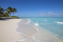 Beach at Treasure Cay — Stock Photo