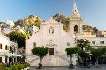 Taormina, Sizilien, Italien, Europa - 7. Mai 2017: San Giuseppe Kirche — Stockfoto