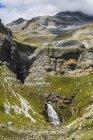 Cola de Caballo waterfall below Monte Perdido — Stock Photo
