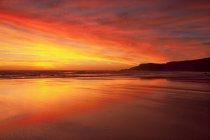 Praia do Amado praia ao pôr do sol — Fotografia de Stock