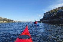 Sea kayak intorno le Ebridi interne — Foto stock