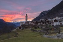 Sunset over the alpine village of Soglio — Stock Photo