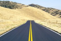 Pinnacles National Park and empty road — Stock Photo