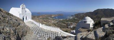 Églises orthodoxes grecques blancs — Photo de stock